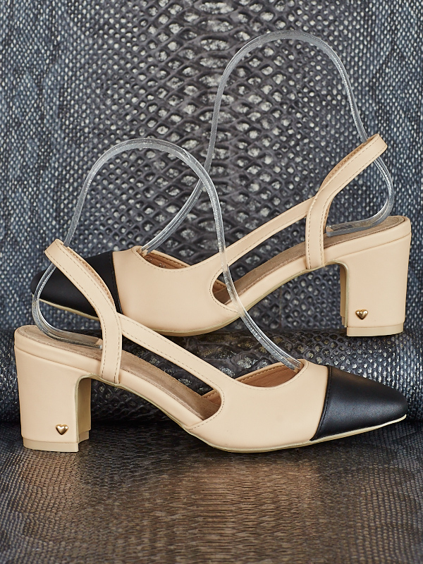 Pumps ― AVentum-Fashion